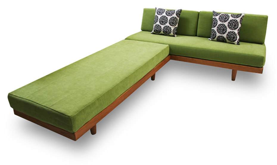 Futons daybeds sofa beds the daybed vs sleeper sofa debate for Sofa bed vs futon